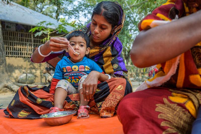 Moms helping moms in southwest Bangladesh