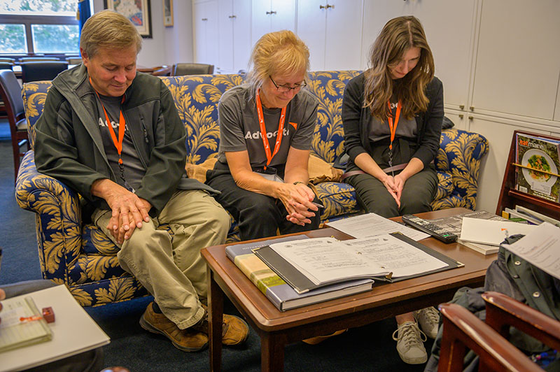 world vision advocates praying